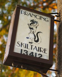 Sign of  the Prancing Skiltaire