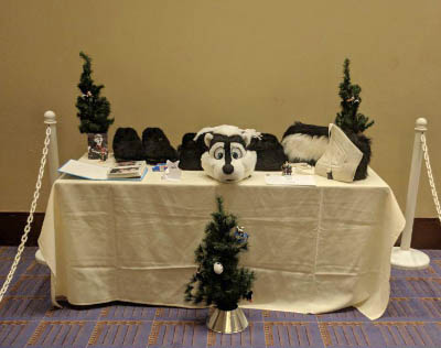A memorial table set up in the Consuite of Midwest FurFest 2017